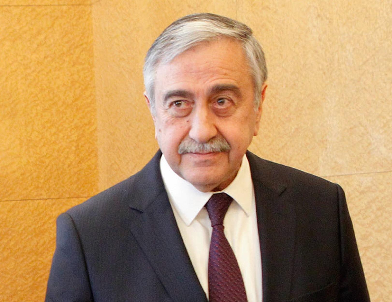 """Έξαλλος ο Ερντογάν με Ακιντζί! """"Έσβησε"""" την ανάρτηση για τη Συρία ο τουρκοκύπριος ηγέτης"""