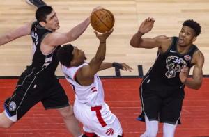 Αντετοκούνμπο: Ξεκινάει με… φόρα το NBA! Αήττητοι οι Μπακς στην Preseaon – video