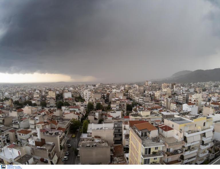 Καιρός: 7.000 κεραυνοί σε όλη τη χώρα – Απρόβλεπτη η καταιγίδα στην Αττική
