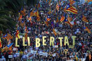 Χιλιάδες διαδηλωτές και πάλι στη Βαρκελώνη! Ζητούν την απελευθέρωση των αυτονομιστών πολιτικών