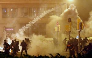 Βυθίζεται στο χάος η Βαρκελώνη! Άλλη μια νύχτα ταραχών [Pics]
