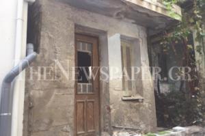 Βόλος: Έτσι είναι σήμερα το σπίτι της Σοφίας Βέμπο – Ρημάζει εγκλωβισμένο σε πολυκατοικίες [pics]