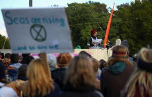 «Παρέλυσε» το Βερολίνο από τις διαδηλώσεις για το κλίμα