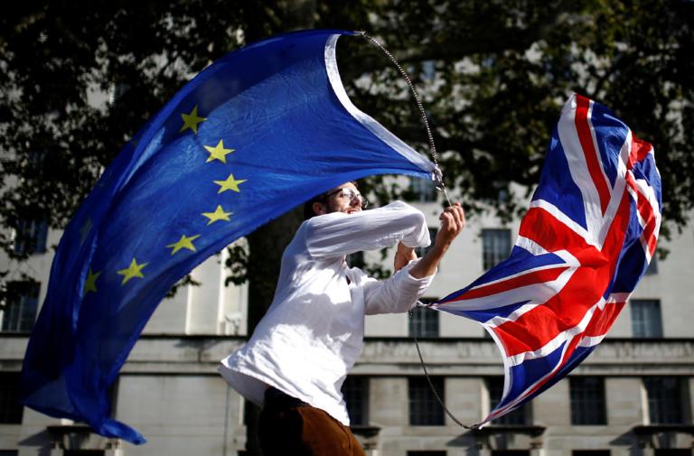Βρετανία: Σύμπραξη τριών κομμάτων κατά του Brexit στις εκλογές της 12ης Δεκεμβρίου
