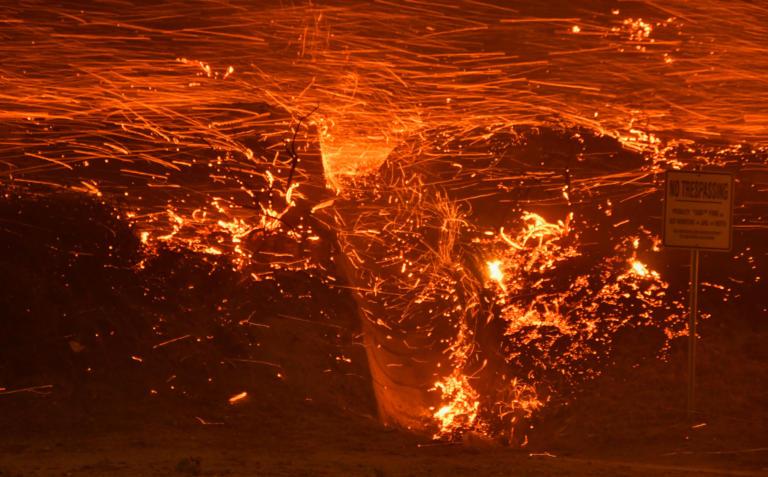 Εικόνες αποκάλυψης από τις φωτιές στο Λος Αντζελες