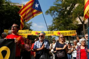 """Ισπανία: Σε """"πολιτική ανυπακοή"""" καλούν τους Καταλανούς οι αυτονομιστές ηγέτες!"""