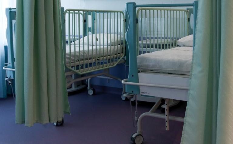 Πώς σχετίζεται το εγκεφαλικό και ο λίγος ύπνος με τον πρόωρο θάνατο;