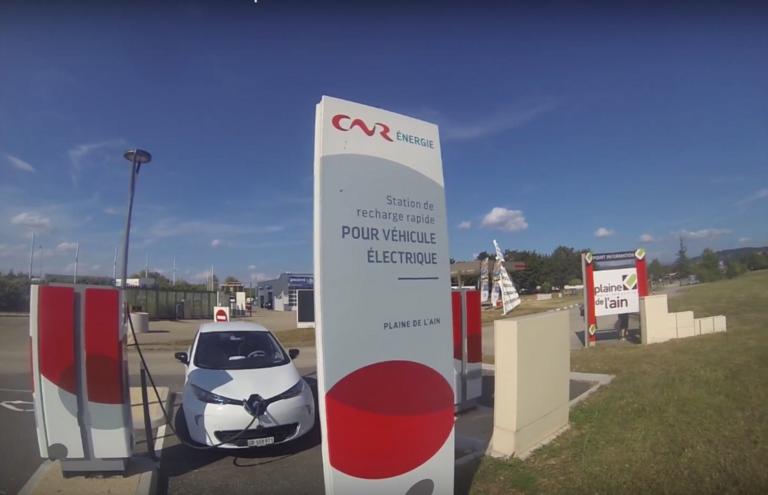 """Ισπανία: Οδηγός ηλεκτρικού ταξί έκανε 354.000 χιλιόμετρα με τις… """"μαμίσιες"""" μπαταρίες"""