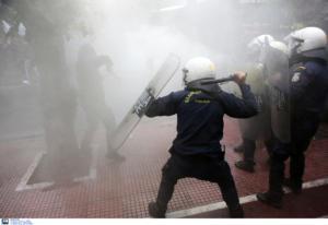 Επεισόδια και χημικά σε πορεία φοιτητών στο κέντρο της Αθήνας