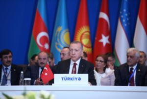 Νέες απειλές Ερντογάν για το προσφυγικό και… λογομαχία με Μακρόν – video