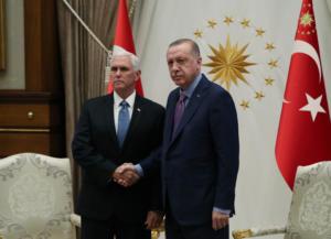 Ερντογάν – Πενς: Συνάντηση πιο… κρύα κι από τον Βόρειο Πόλο! [pics]