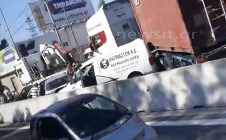 Απίστευτη καραμπόλα στην Αθηνών – Κορίνθου και ουρές χιλιομέτρων! pics
