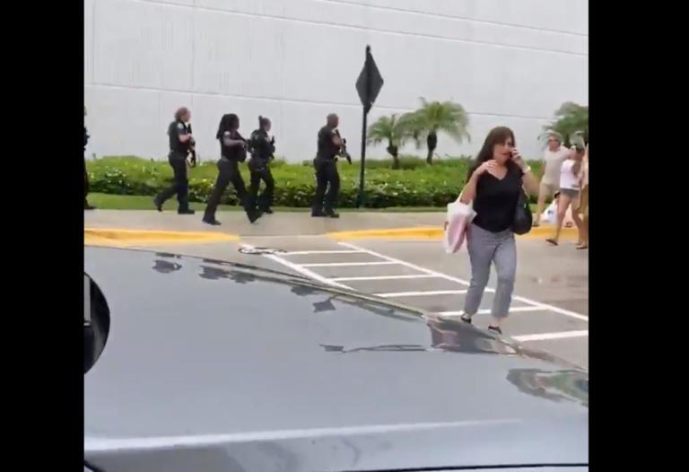 Φλόριντα: Πυροβολισμοί σε εμπορικό κέντρο – video
