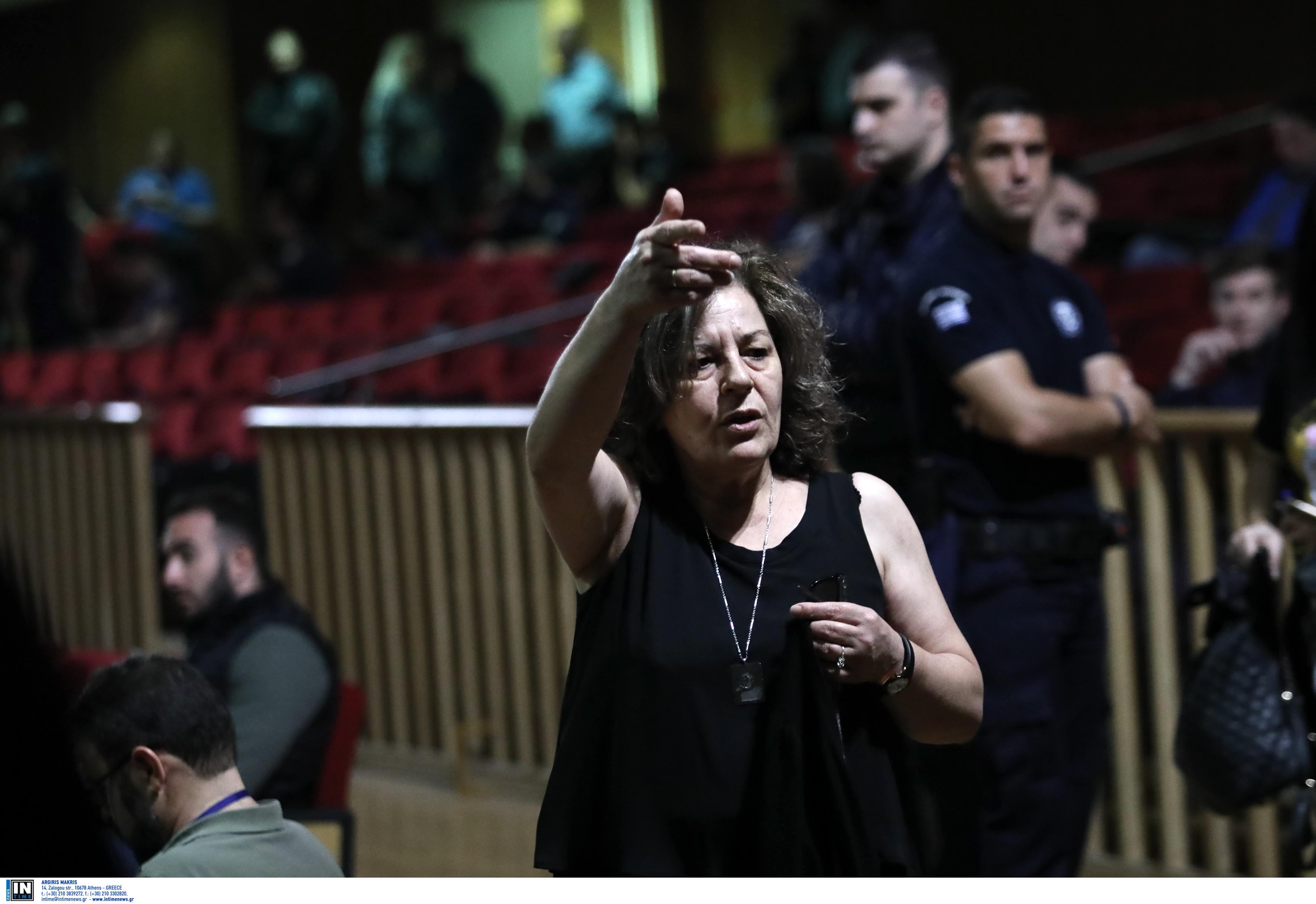 Συγκλόνισε ξανά η Μάγδα Φύσσα: Κυρία εισαγγελέα, απαντήστε μου, ξαναμαχαιρώσατε τον Παύλο;