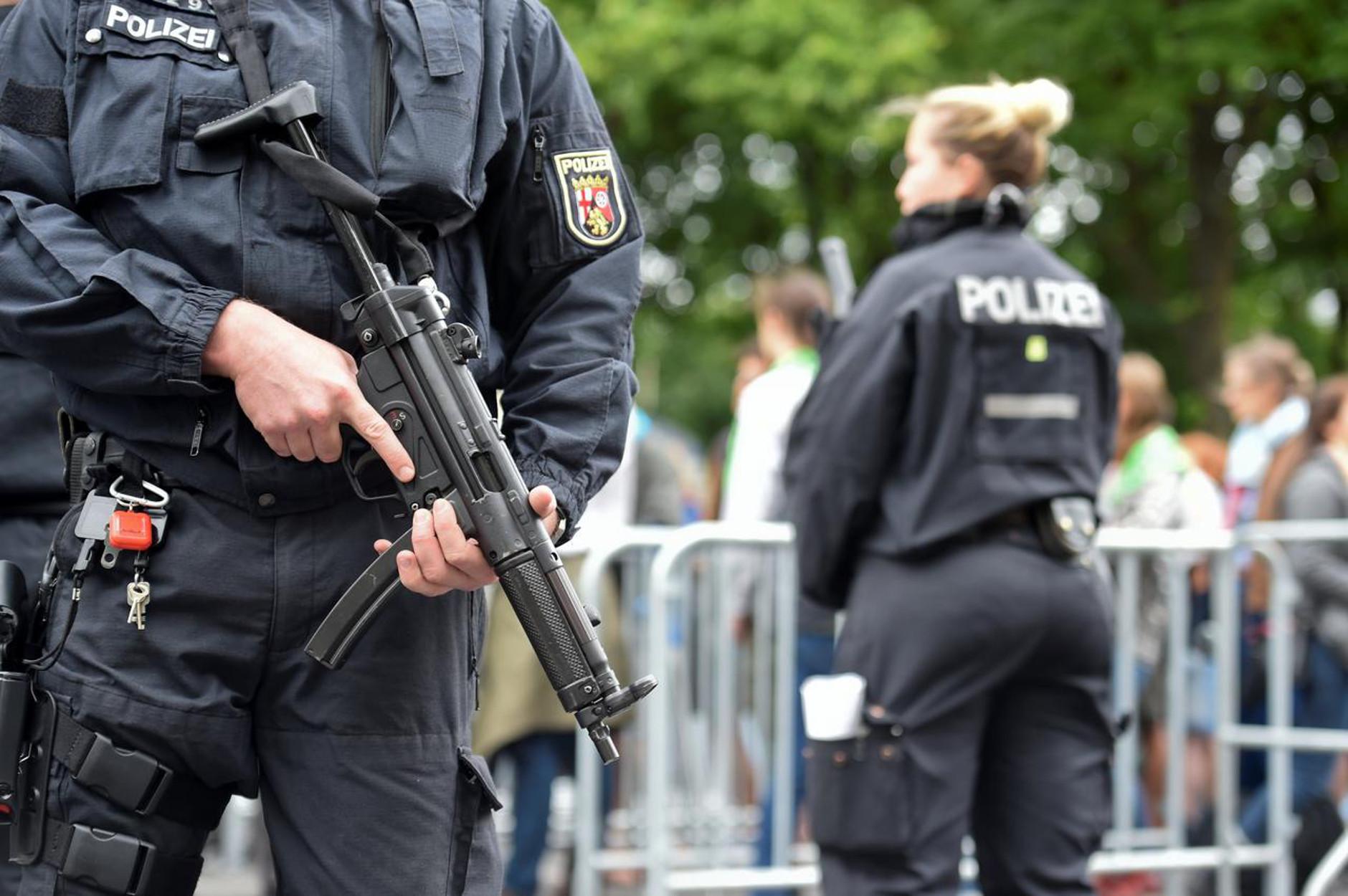 Βερολίνο: Υπό ασφυκτικό κλοιό οι συγκεντρώσεις για την Πρωτομαγιά – Πάνω από 5.000 αστυνομικοί