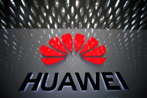 Πιο αυστηροί οι κανόνες για πώληση αμερικανικής τεχνολογίας στη Huawei