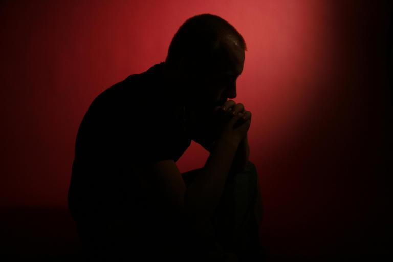 """Παγκόσμια Ημέρα Ψυχικής Υγείας 2019: Κάθε 40"""" χάνεται μια ζωή από αυτοκτονία – Πώς μπορούμε να βοηθήσουμε"""