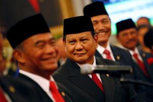 Ινδονησία: Έκανε υπουργό Άμυνας τον… αντίπαλό του στις εκλογές!