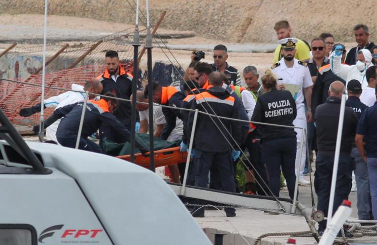 Ιταλία: Στους 13 οι νεκροί από το νέο ναυάγιο – Γυναίκες όλα τα θύματα