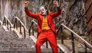 Joker: Της… κολάσεως στις σκάλες στο Μπρονξ μετά την ταινία! video