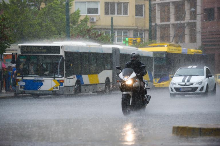 Καιρός: Βροχές, σφοδρές καταιγίδες και χαλάζι – Οδηγίες προς τους πολίτες