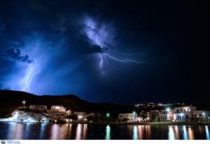 Καιρός: Έφτασε στη Δυτική Ελλάδα η κακοκαιρία «Γηρυόνης» – Ισχυρές βροχές και καταιγίδες