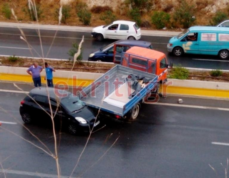Καραμπόλα στο Ηράκλειο προκάλεσε κομφούζιο στο δρόμο