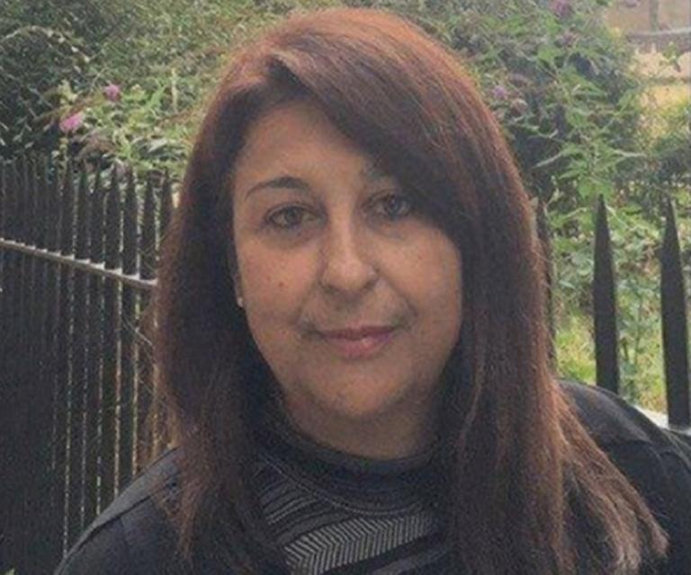 Θεσσαλονίκη: Σπαραγμός στην κηδεία της καθηγήτριας – Αποκαλύψεις για τις τελευταίες δραματικές στιγμές της – video
