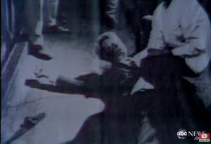 Ο γιος του Κένεντι αποκαλύπτει: Αυτός είναι ο αληθινός δολοφόνος του πατέρα μου!