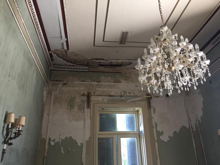 Κέρκυρα: Εικόνες ντροπής στο Αχίλλειο – Έτσι έγινε το παραμυθένιο παλάτι της πριγκίπισσας Σίσσυ [pics]