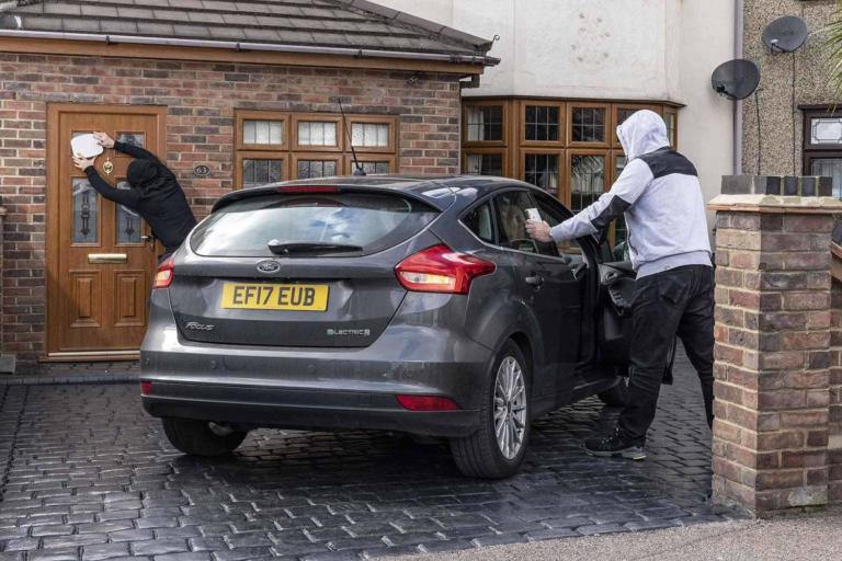 Γιατί τα συστήματα Keyless Entry στα αυτοκίνητα είναι ο παράδεισος των κλεφτών; [vid]