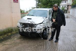Εικόνες από το διαλυμένο αυτοκίνητο του Α. Γκλέτσου – Έτσι σώθηκε από τη σύγκρουση με το αγριογούρουνο