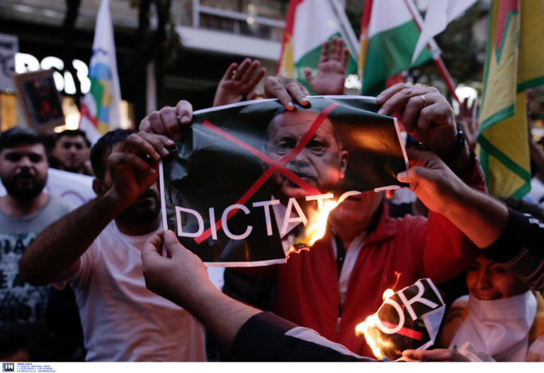 Θεσσαλονίκη: Πορεία των Κούρδων για την τουρκική εισβολή στην Συρία [pics]