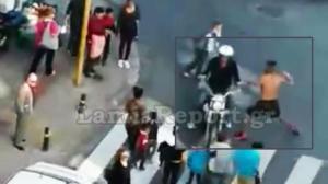 Λαμία: Έριξε γροθιά σε… άσχετο! Απίστευτο video