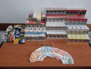 Θεσσαλονίκη: Τεράστια ποσότητα λαθραίων τσιγάρων και καπνού σε σπίτι [pics]