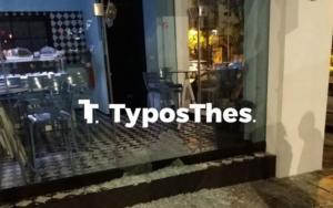 Θεσσαλονίκη: Έσπασαν μπροστά στην κάμερα γνωστό καφέ