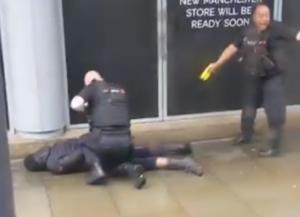 Συναγερμός στο Μάντσεστερ! Επίθεση με μαχαίρι σε εμπορικό κέντρο!