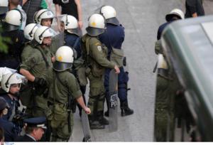 Έφοδος της αστυνομίας σε σύνδεσμο οπαδών στα Εξάρχεια!