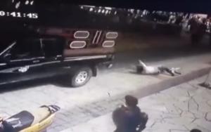 Μεξικό: Εξαγριωμένο πλήθος έδεσε και έσερνε δήμαρχο με αυτοκίνητο