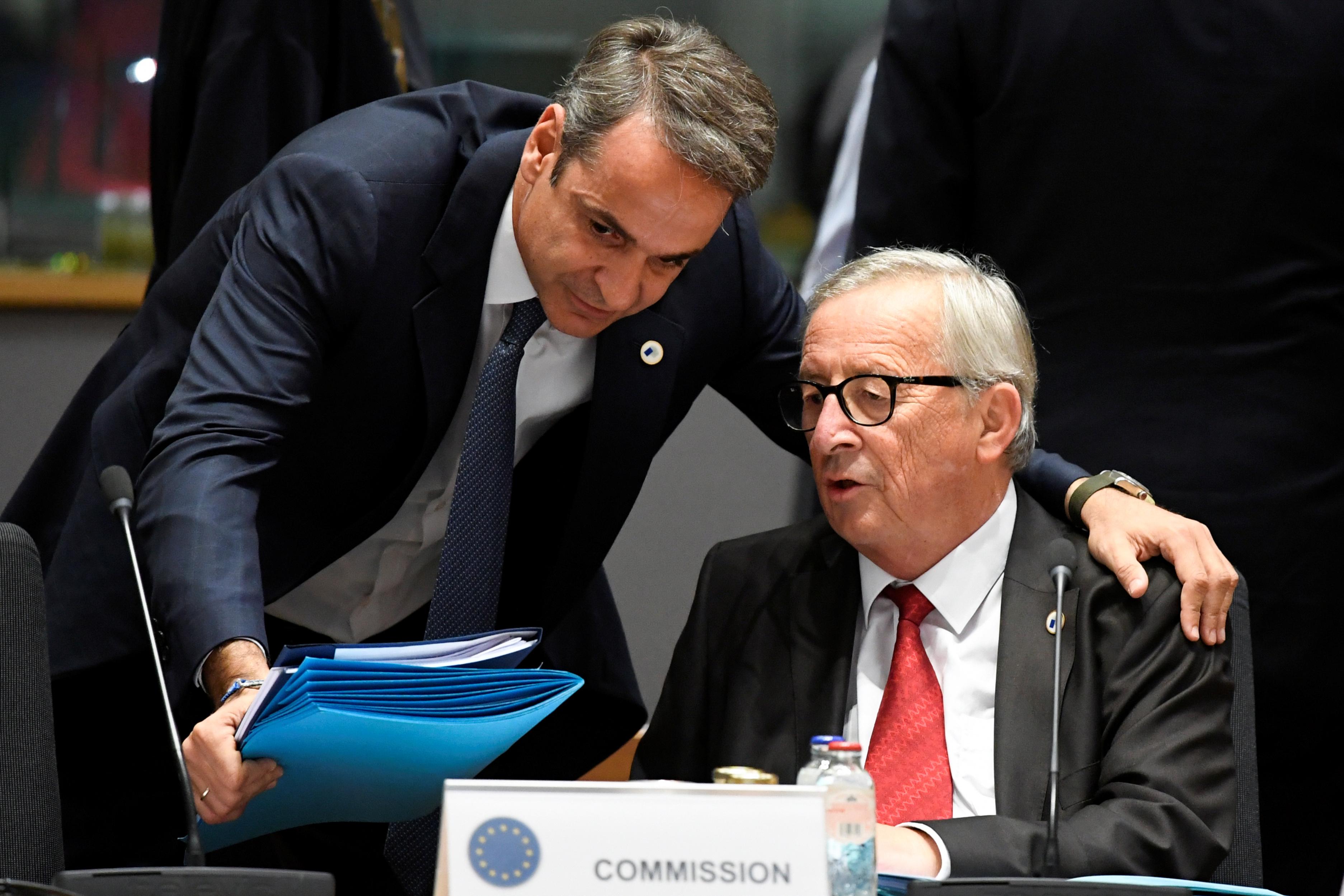 Γιούνκερ: Θα πήγαινα για ποτό με Τσίπρα και Μητσοτάκη - Τι αποκάλυψε για τους Έλληνες πρωθυπουργούς