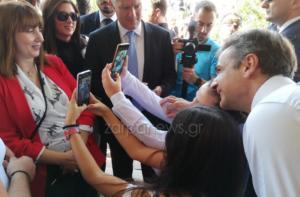 Μητσοτάκης: Χαμός στην Κίσσαμο για μια… selfie με τον Κυριάκο!