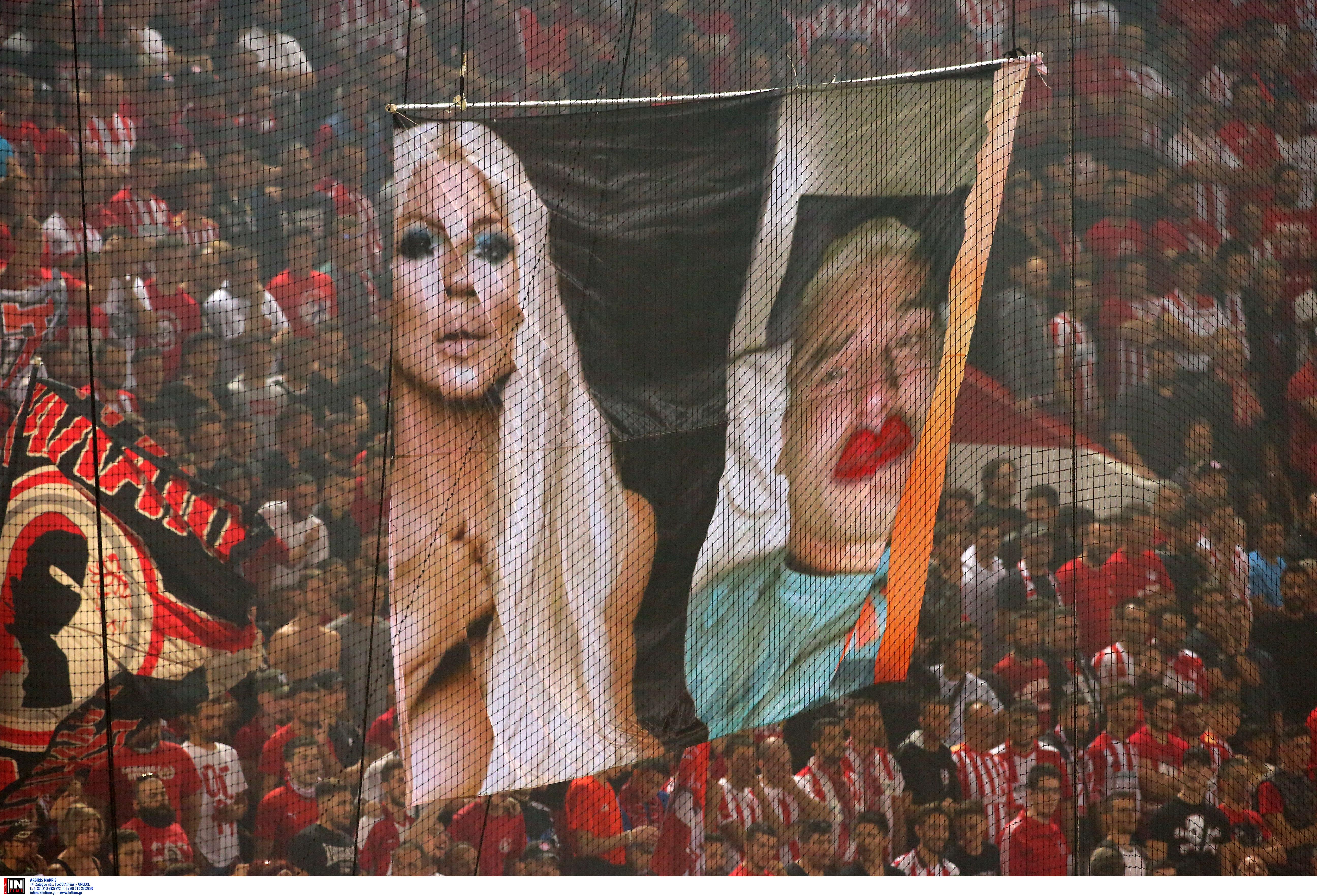 """Ολυμπιακός – ΑΕΚ: Χυδαία ανάρτηση Βράνιες για τα πανό στο """"Καραϊσκάκης""""! [pic]"""