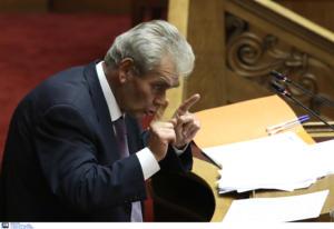 Προανακριτική: Εξαίρεση τριών βουλευτών θα ζητήσει ο Παπαγγελόπουλος