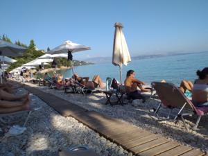 Κέρκυρα: Δεν πέφτει καρφίτσα στις παραλίες – Αυγουστιάτικος ο φετινός Οκτώβρης στο νησί [pic]