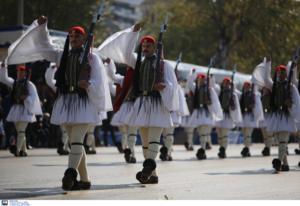 Θεσσαλονίκη: Η εντυπωσιακή έναρξη της μεγάλης στρατιωτικής παρέλασης – Η βολή και ο εθνικός ύμνος – video