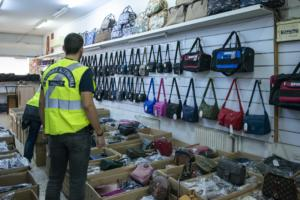 Νέοι έλεγχοι για παρεμπόριο στην Αθήνα – Πρόστιμα ύψους 24.500 ευρώ [video]