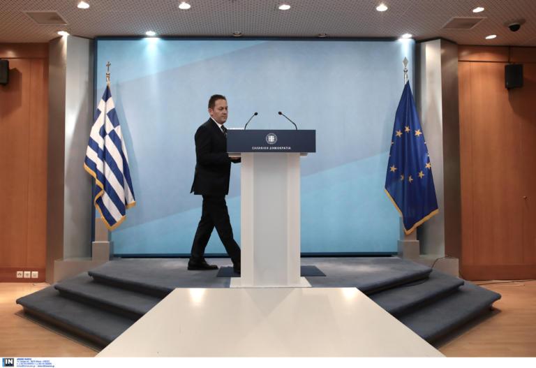 Πέτσας: Σοβαρότης μηδέν από τον ΣΥΡΙΖΑ, να ζητήσουν συγγνώμη ο Τσίπρας και οι βουλευτές του