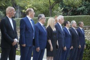 Ψήφος αποδήμων: Ο Μητσοτάκης βλέπει πολιτικούς αρχηγούς – Παζάρια και… παρασκήνιο