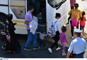 Στην Ελευσίνα 389 μετανάστες και πρόσφυγες από τη Σύμη