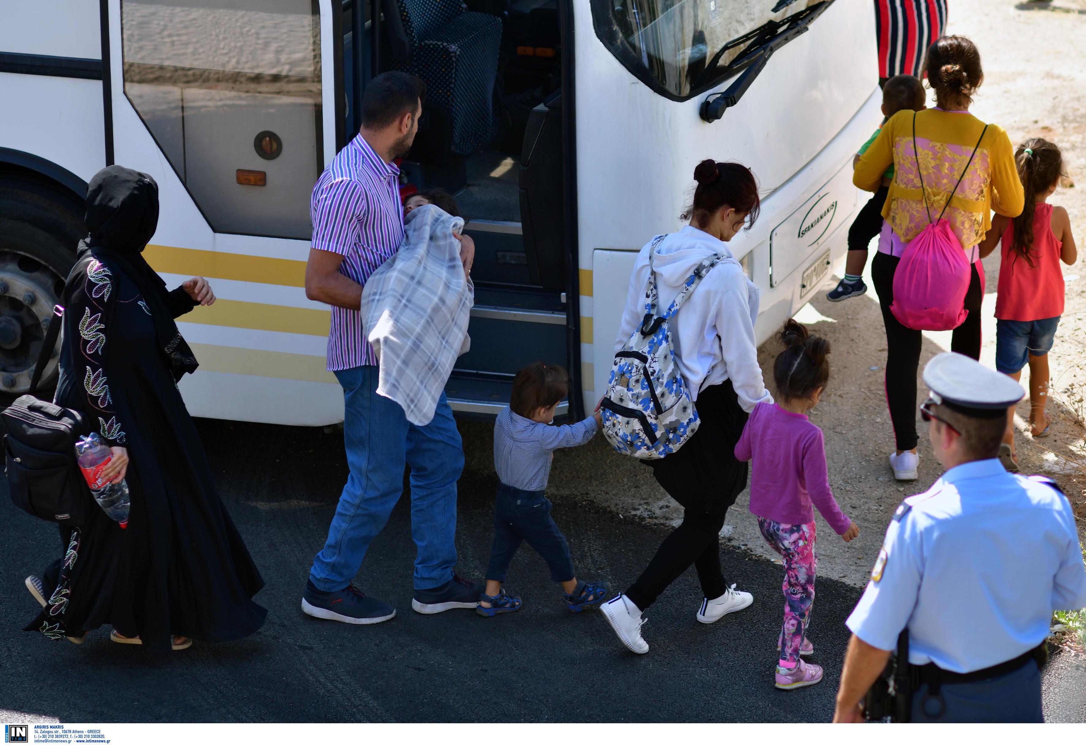 """""""Πυρά"""" Τουρκίας κατά Μητσοτάκη για το προσφυγικό"""